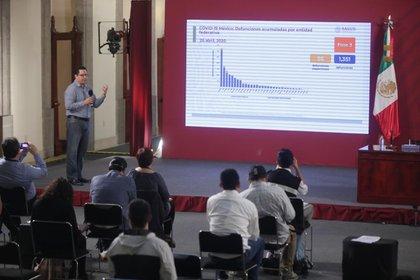 José Luis Alomía explicó el avance del COVID-19 en México (Foto: Cortesía)