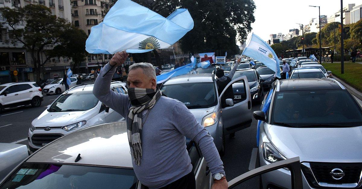 Movilización en varias ciudades del país contra la reforma judicial - Infobae