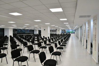 La sala de espera tiene capacidad para 380 personas (Foto: Cortesía de la Secretaría de Relaciones Exteriores)
