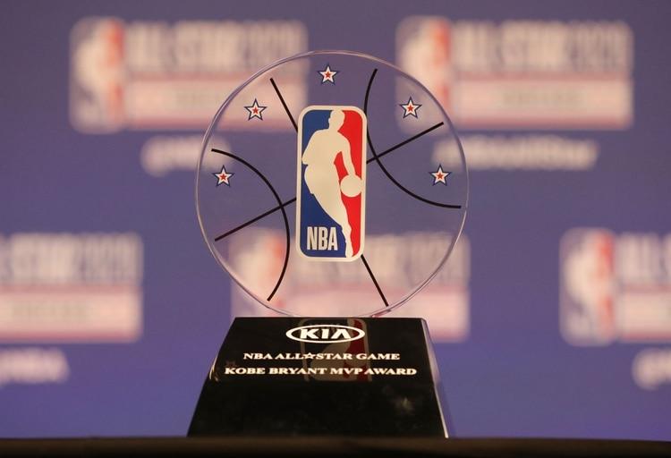El comisionado de la NBA presentó el Premio MVP Kobe Bryant en una conferencia de prensa