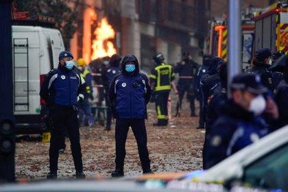 El edificio está en llamas por la quemadura de gas de las tuberías (Reuters/ Juan Medina)