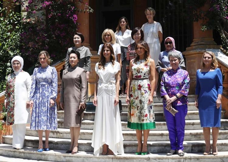 422cff865 En primera fila junto a Juliana y a la mujer del primer ministro de Cánada  Sophie Trudeau