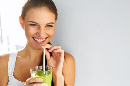 La Organización Mundial de la Salud recomienda consumir un mínimo de 400 gramos diarios de frutas y verduras (Getty Images)
