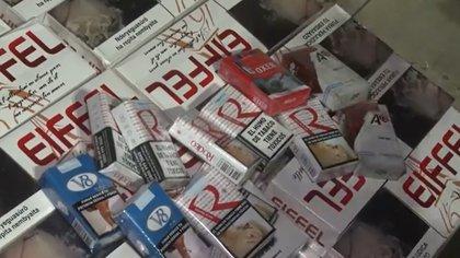 Parte de los cigarrillos secuestrados por los efectivos de la Policía de la Ciudad