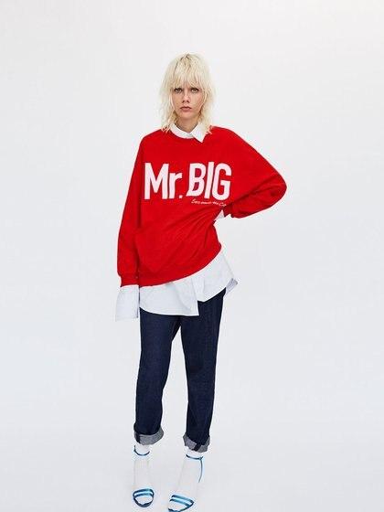 Zara también contó con algunas prendas inspiradas en Sex and the City, como con un buzo de Mr. Big, el marido de Carrie Bradshaw
