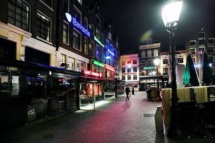 Pubs y bares en Leidseplein, Ámsterdam, el de 15 marzo (REUTERS/Piroschka van de Wouw/)