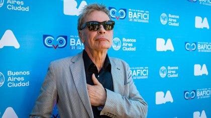 """Fue testigo del nacimiento de los Sex Pistols y The Clash; desarrolló un catálogo extenso de videoclips, además de documentales sobre músicos como """"Keith Richards: The Origin of the Species"""" o """"Ray Davies: Imaginary Man"""""""