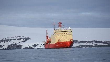 """El ministro sostiene que """"es necesario construir o comprar un buque polar que nos permita completar la operación que hace el ARA Irizar en la Antártida"""". Foto: Fernando Calzada."""