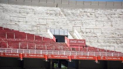 Se encontrarán dos puestos techados de gastronomía en las tribunas Centenario, Sívori y Belgrano, reemplazando las viejas barras que se encontraban bajo escaleras.