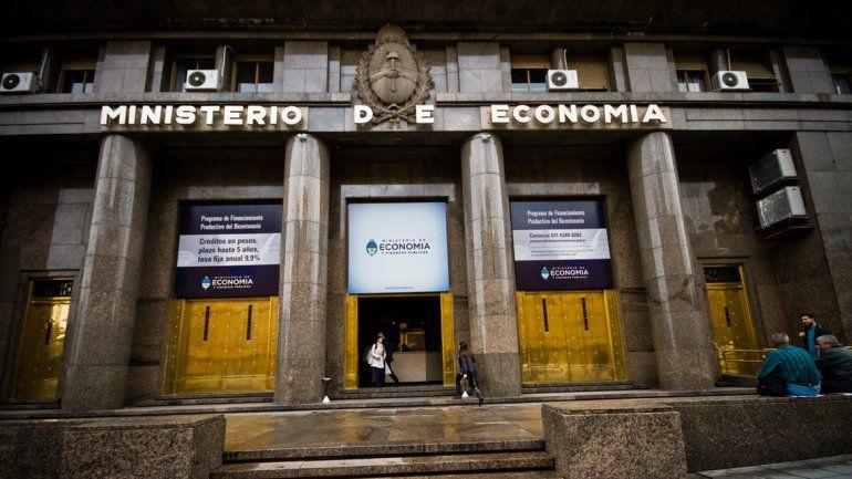 Dos días antes del vencimiento del Bono Dual, el ministerio de Economía saldrá al mercado en busca de pesos.