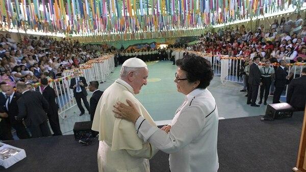 Francisco junto a la hermana Nelly, encargada de la pastoral