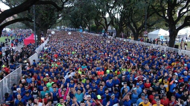 Participaron más de 20 mil corredores, cuatro mil extranjeros y 85 atletas de elite de once países diferentes