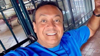 Carlos se ha comprometido a presentar una demanda contra Ada, Guillermo Pouss y Alfonso Arneiz (fotos: Instagram ar Carlosquasophysical).