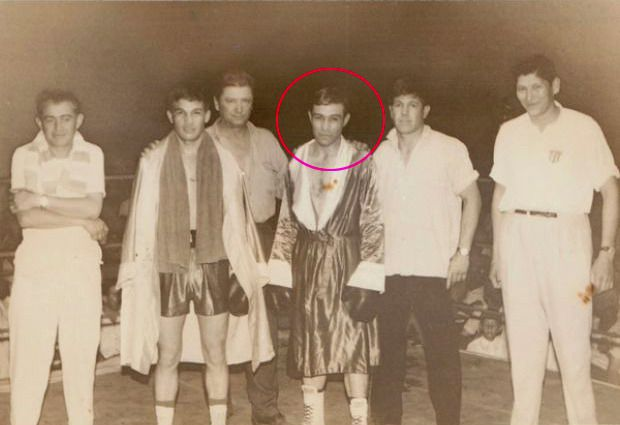 Meneses nació en 1907 en un pequeño pueblo que, paradójicamente, se llama Cuatreros. Está al lado de Bahía Blanca, sobre el mar. Su familia se mudó a Uruguay y el Pardo alternó labores rurales con el gimnasio de boxeo