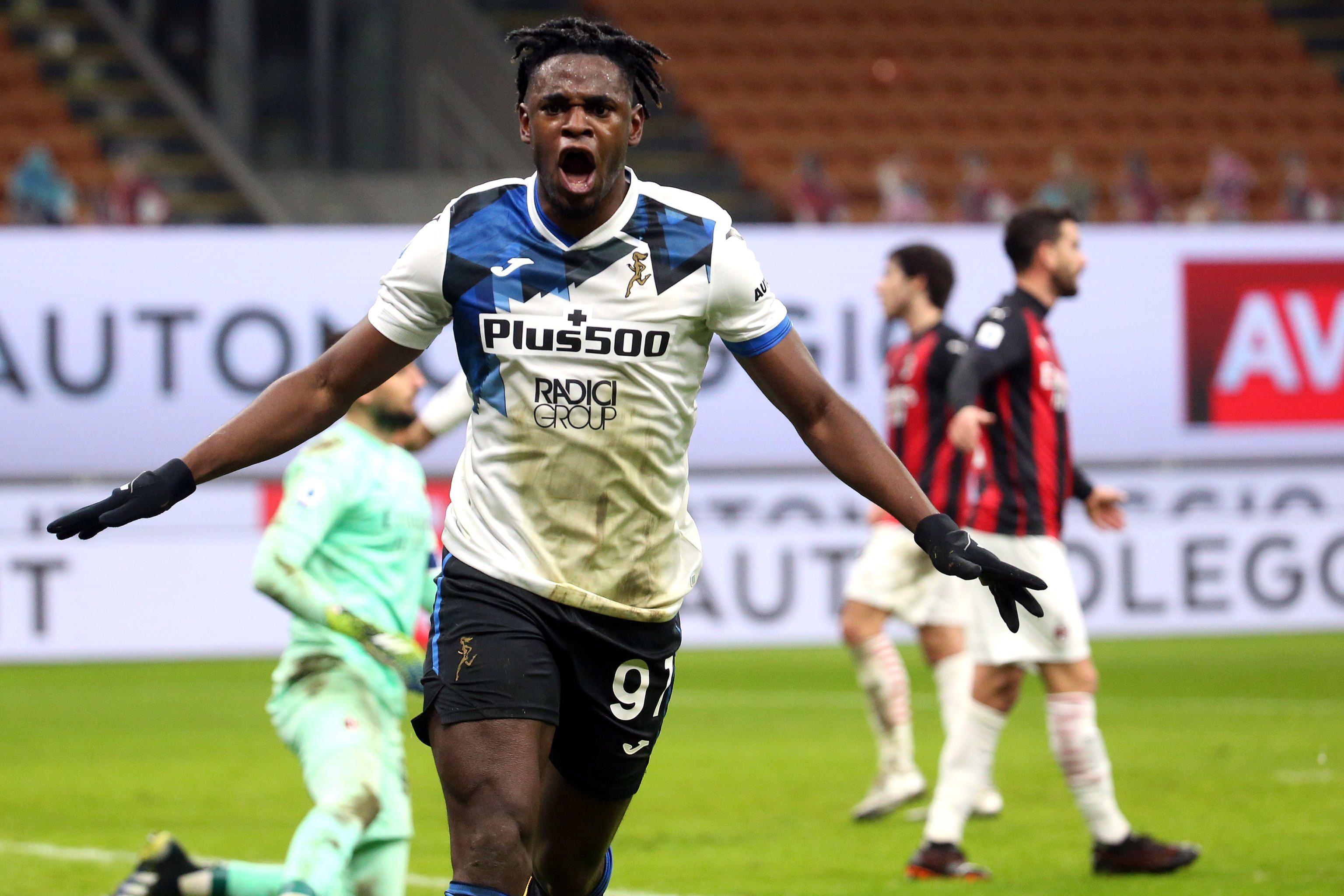 Duván Zapata marcó el 3 a 0 frente al Milan (EFE)