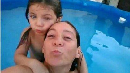 Cristina Iglesias y su hija Ada.