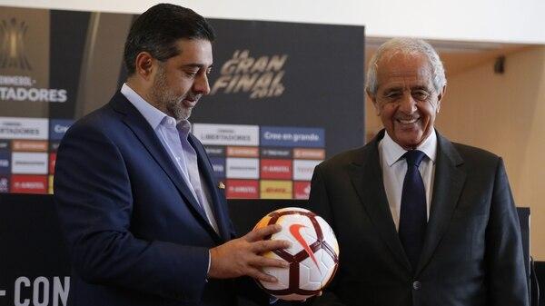 Daniel Angelici y Rodolfo D'Onofrio, presidentes de Boca y River, se citan en Conmebol (Nicolás Aboaf)