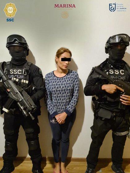 """Magda Karina """"N"""" sería pareja sentimental de El Carnal, ambos fueron arrestados en un inmueble de la colonia Xoco (Foto: SSC-CDMX)"""