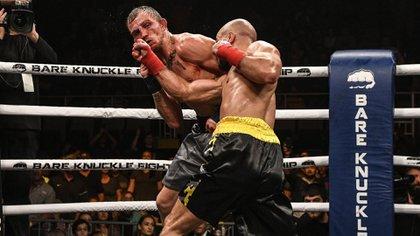 Muchos luchadores que pasaron por la UFC prueban suerte en el 'Bare Knuckle' (@Maclifeofficial)