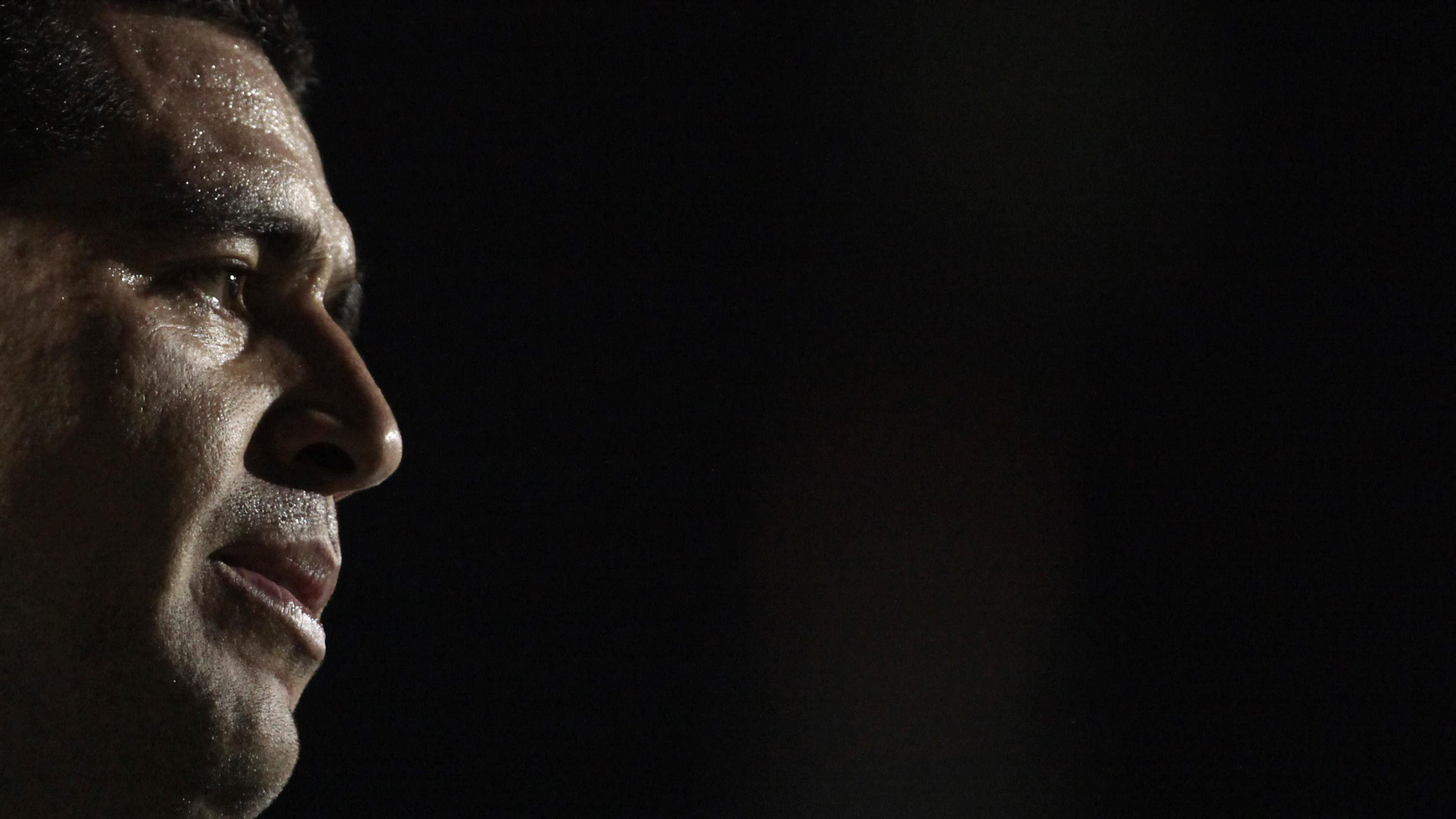 Riquelme en acción: hace campaña por Ameal, piensa en el nuevo entrenador y gestiona refuerzos (Foto AFP)