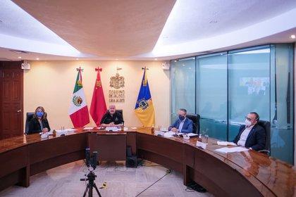 El gobernador de Jalisco destacó las posibilidades comerciales que tiene su estado (Foto: Twitter@/EnriqueAlfaroR)