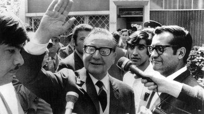 Alberto Fernández quiere rendir homenaje al ex presidente chileno Salvador Allende (foto EFE/CAA/Archivo)