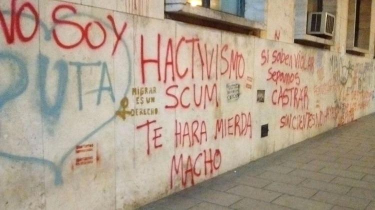 Reivindicación del manifiesto SCUM en la una de las marchas de #NiUnaMenos