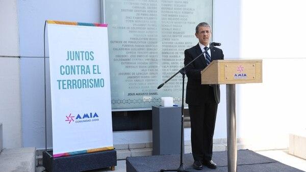 Agustín Zbar(Maximiliano Luna)