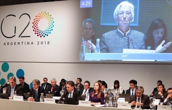 Christine Lagarde hablando en una de las reuniones de ayer