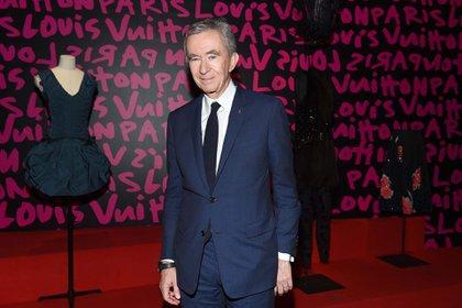 Bernard Arnault desplazó a Bill Gates como el segundo hombre más rico del mundo según Forbes (Shutterstock)