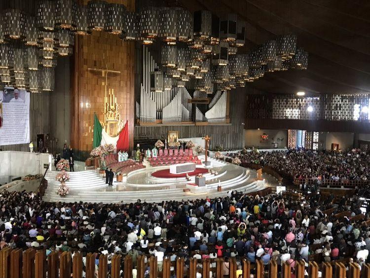 La misa se llevó a cabo frente a los familiares del fallecido cantante (Foto: Ana Hernández/Infobae México)