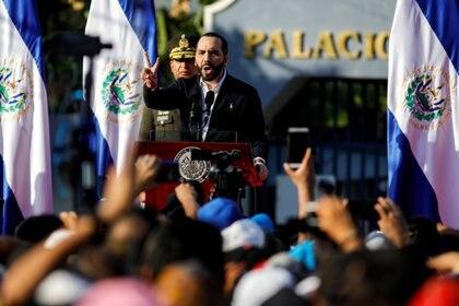 Nayib Bukele dio un discurso ante sus seguidores (REUTERS/Jose Cabezas)
