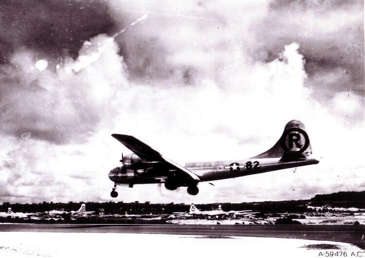 El destino de los pilotos que lanzaron la bomba sobre Hiroshima: de no  sentir remordimiento a la locura y la muerte solitaria - Infobae