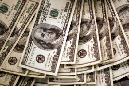 Los depósitos en dólares vuelven a caer con el inicio del año.