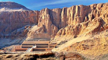 En El Valle de los Reyes se encuentran las tumbas de la mayoría de los faraones del Imperio Nuevo (shutterstock)