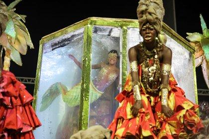 Viradouro samba school perform REUTERS/Ricardo Moraes