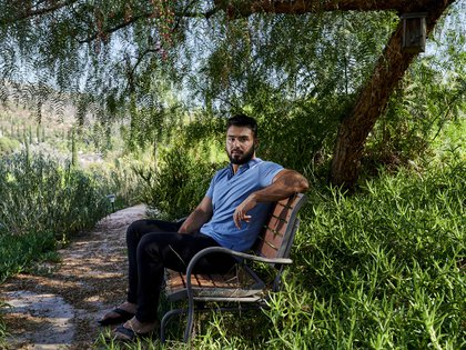 Janan Moein, de 19 años, fuera de su casa en El Cajón, California, el jueves 3 de septiembre de 2020 (John Francis Peters/ The New York Times)