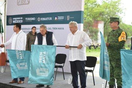 AMLO dio el banderazo de arranque de obras del Tren Maya (Foto: Cortesía Presidencia)