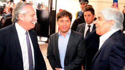 Alberto Fernández, Axel Kicillof y Hugo Moyano, en la inauguración del Sanatorio Antártida
