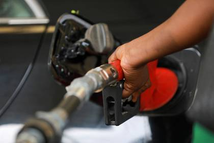 La gasolina bajó a nivel mundial. (Foto: Reuters)