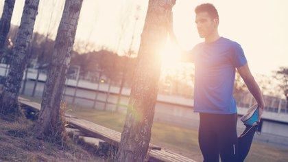 Pocos minutos de ejercicios al día favorecen a la salud cardiovascular (Shutterstock)