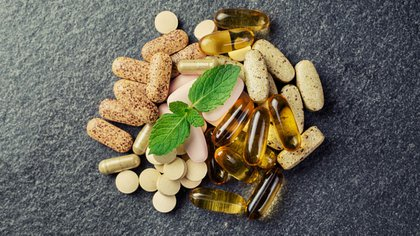 """Los suplementos dietarios se convirtieron en una alternativa económica y """"natural""""para problemas de salud (Shutterstock)"""