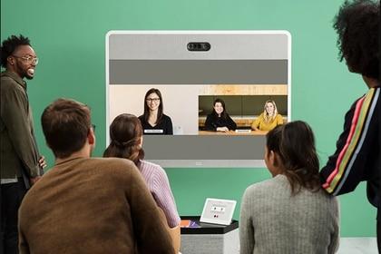 La capacidad máxima de WebEx -en una sola sesión- es de 3.000 personas. De ellas, 1.000 tienen video simultáneo y audio; y las demás, solo audio.