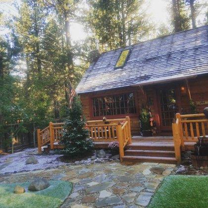 El cantante tiene una casa al lado del lago Tahoe, en California Foto: (Instagram.com/juliojrofficial)