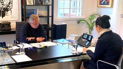 Alberto Fernández durante su última conversación con Xi Jinping en la quinta de Olivos. (Presidencia)