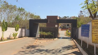 La entrada de la vivienda donde habría ocurrido el episodio con Juan Cazares (capturas de TV Globo)