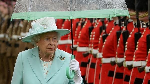 Reina Isabel II lleva 66 años en el trono de Inglaterra