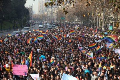 Las organizaciones LGTB presentaron un recurso contra Sebastián Piñera por inclumplir un compromiso con la CIDH (EFE/ Alberto Valdes)