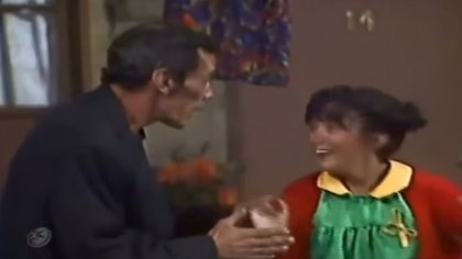"""""""Don Ramón"""" y """"La Chilindrina"""" fueron dos personajes icónicos de la televisión mexicana en la década de los 70 (Foto: Captura YouTube)."""
