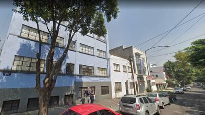 Érika fue encontrada en la banqueta de la calle Iguala casi esquina con Viaducto Miguel Alemán , en la Colonia Roma, de la Ciudad de México Foto: (Google Maps)